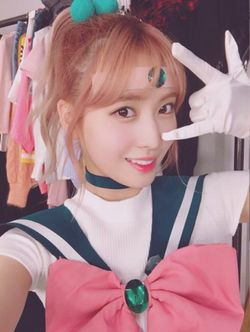 Hirai Momo Sailor Jupiter.jpg