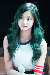 Tzuyu Green Hair.jpg