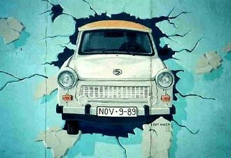 Berlin Wall Trabant grafitti.jpg